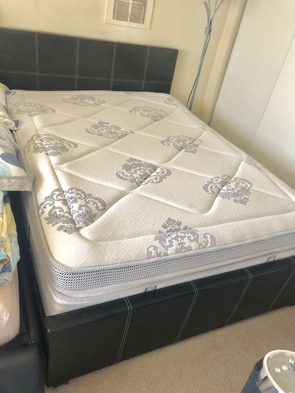 🌺MOVING OUT SALE🌺 QUEEN SIZE BED FRAME for Sale in Los Angeles, CA ...