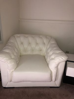Strange New And Used White Leather Couch For Sale In Saginaw Mi Short Links Chair Design For Home Short Linksinfo