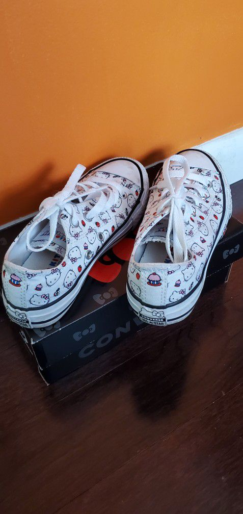 Girl's Converse Hello Kitty Sneakers Size 13