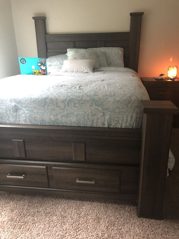 Ashley Furniture Queen Size Bed Set Pcs Move Price Negotiable
