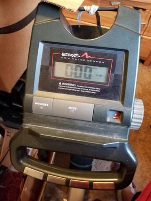 Free Older recumbant bike for Sale in Landover, MD