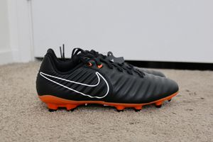 New Nike Tiempo Legend 7 Academy FG Soccer Cleats Size 6Y for Sale in San Diego, CA