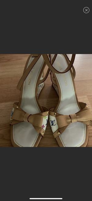 fbd583905c00 Louis Vuitton wedged sandals size 8 for Sale in Lancaster