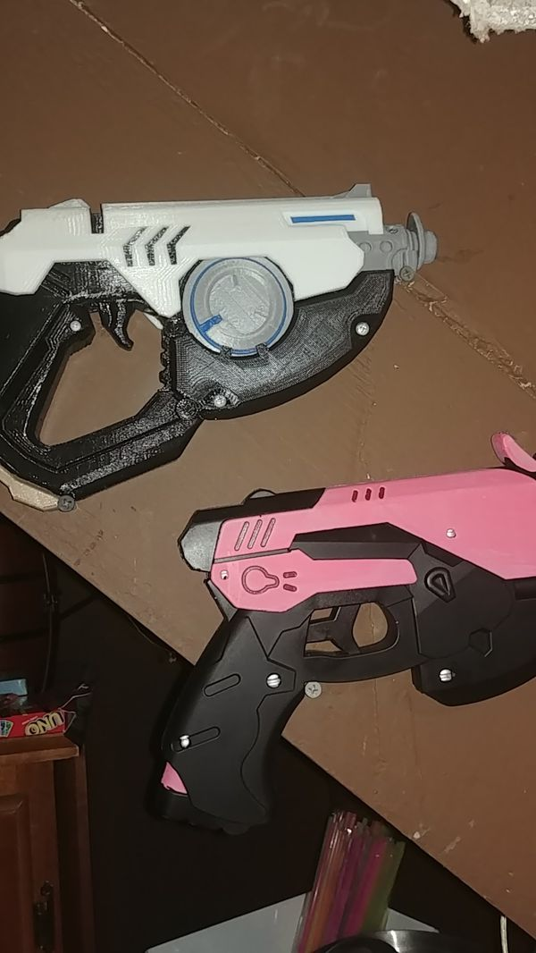 Tracer and diva replica guns for Sale in St  Peters, MO - OfferUp