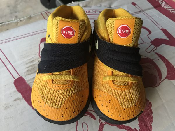 f4865aea3290 KYRIE 2 school bus Sneakers