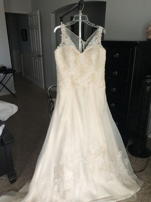 Wedding dresses in Palmdale