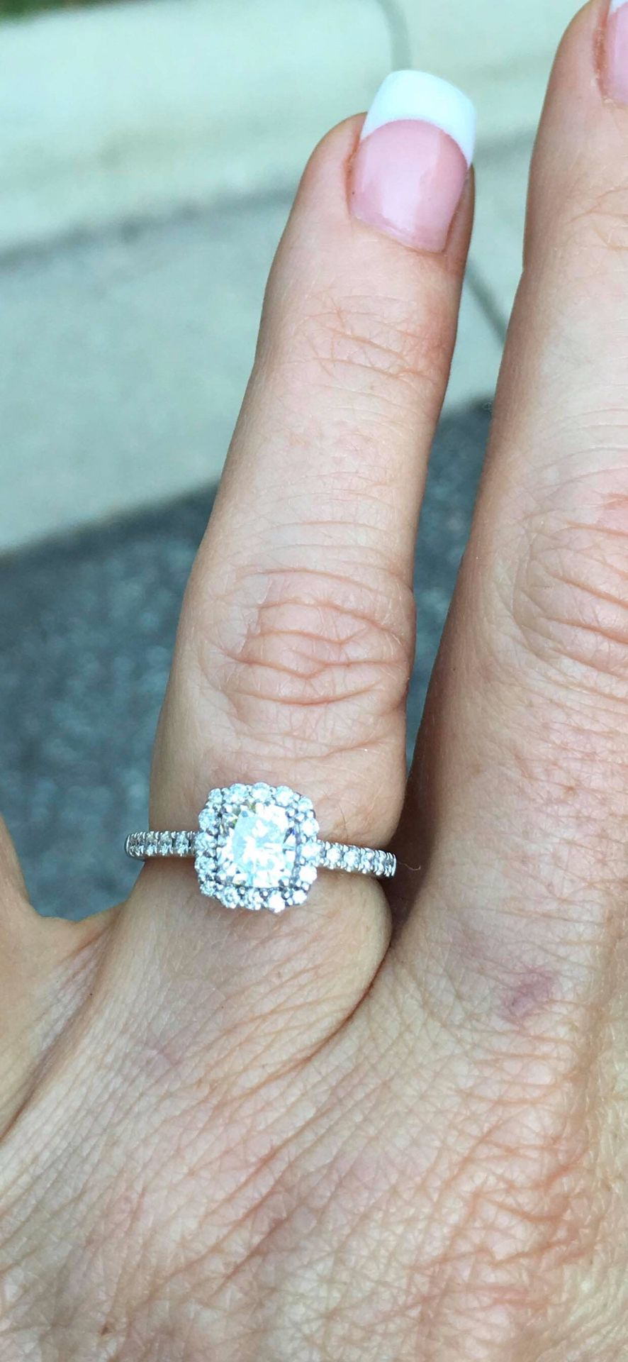 14 Kt Diamond Engagement ring 1 1/3 ctw