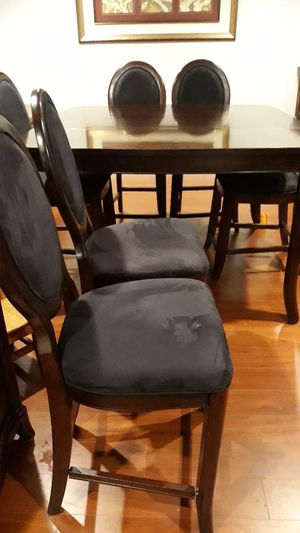 HIGH TOP DINING TABLE AND 6 CHAIRS for Sale in Germantown, MD