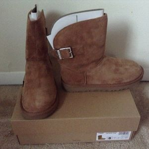Women's Ugg Boots Chestnut Sz 8 for Sale in Gaithersburg, MD