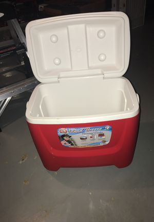 Igloo Cooler 28 quart, 41 can capacity for Sale in Gainesville, VA