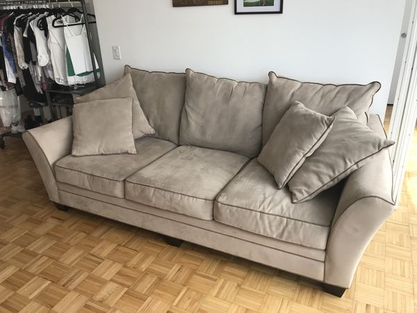 Couch Briarwood Microfiber Sofa Light Taupe Khaki Raymour Flannigan For In Jersey City Nj Offerup