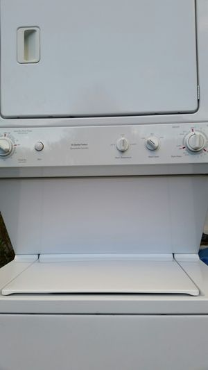 Washer and dryer stake like new 4 months warranty for Sale in Lincolnia, VA