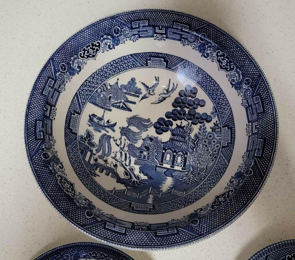 Blue Willow China Set