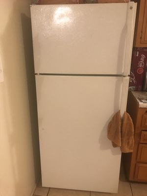 GE refrigerator for Sale in Oxnard, CA