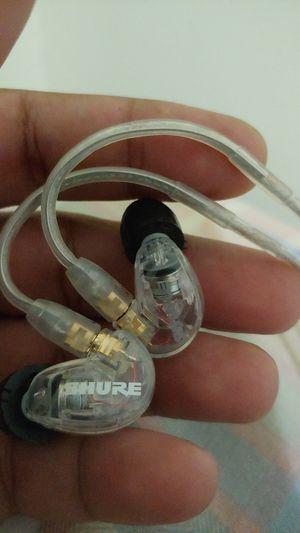Shure se215 in ear monitors for Sale in Hamden, CT