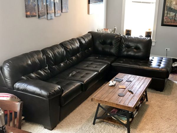 Dark Brown Sectional Couch for Sale in Chicago, IL - OfferUp
