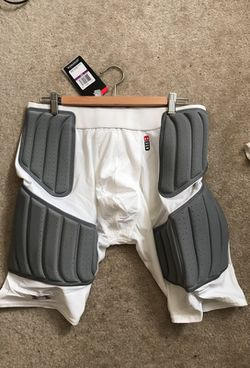 Under Armour Compression Shorts Thumbnail
