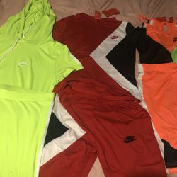 Women Nike Sets(New) Thumbnail