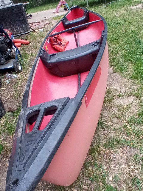Photo 15 Ft Coleman Canoe