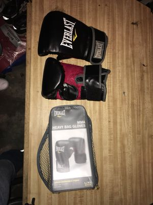 Boxing gloves brand new for Sale in Silver Spring, MD