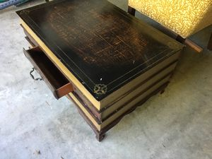 Funky book coffee table for Sale in Gig Harbor, WA