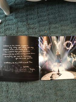 Taylor Swift 1989 World Tour VIP Merch Thumbnail
