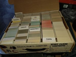 Baseball trading cards 1000's of them make me an offer for Sale in Orlando, FL