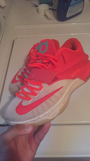 Kd7 eggnogs size 9 for Sale in Manassas, VA