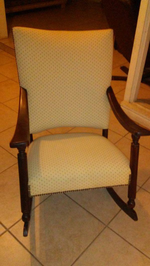 Rocking Chair Furniture In Tucson Az Offerup