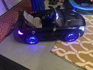Wheels N Kids 2017 Mercedes SLS Final Edition Kids Ride-On Car MP4 LCD 12V Powered Parental R/C   Black for Sale in Manassas, VA