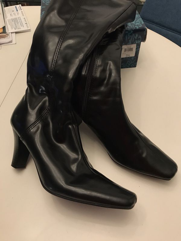 99e8a065ff1f7 Ladies size 9 boots  10 each or 2 for 15 latex   leather for Sale in ...