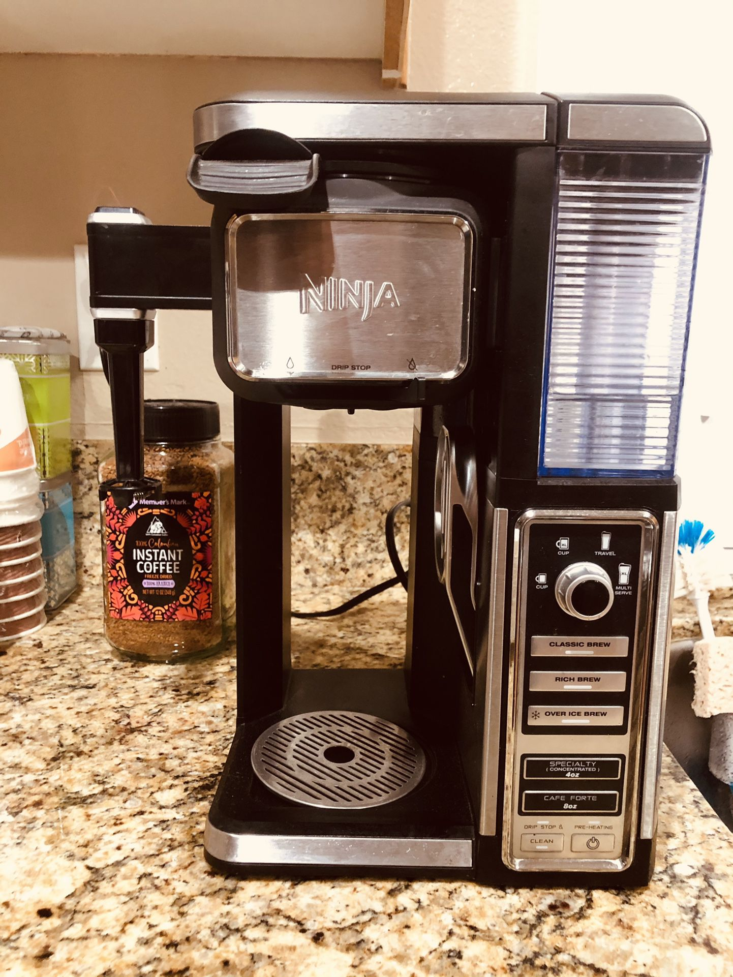 NINJA HOT AND ICED COFFEE MAKER WITH FROTHER