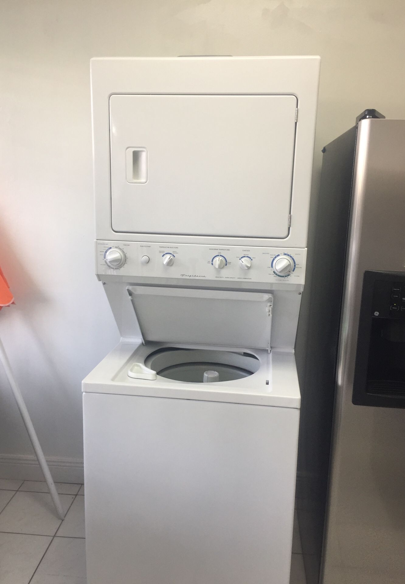 """27"""" Washer and Dryer Combo"""