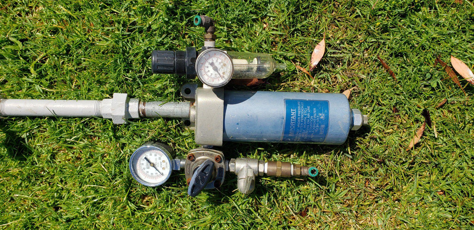 Binks Paint/Air Tool Manifold, Water Separator with Dual Regulators