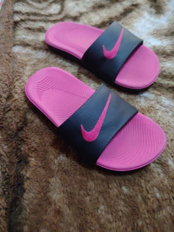 17059474b Girl Nike Slides for Sale in El Monte