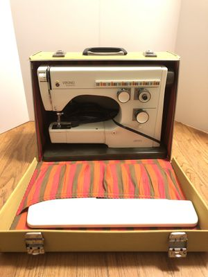 Husqvarna Viking amazing condition sewing machine for Sale in Portland, OR