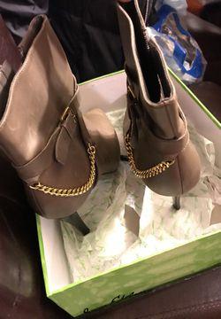 Ralph Lauren Heels Size 9 Thumbnail