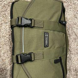 NEW Tenba mini messenger camera/laptop bag Thumbnail