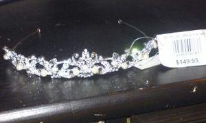 Beautiful bride tiara brand new for Sale in Salt Lake City, UT