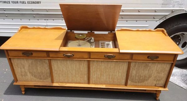 Packard Bell RPC-20S AM-FM Stereo Record Player Console GARRARD for Sale in  Porter Ranch, CA - OfferUp