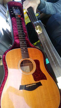 1999 Taylor 310 acoustic guitar Thumbnail
