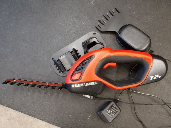 Black And Decker Hedge Trimmer Pruner Cordless For Sale In