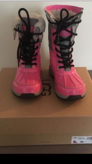 Barely used GIRLS UGG K BUTTE II PATENT SPARKLE RAIN SNOW BOOTS SHOES SZ 10 for Sale in Arlington, VA