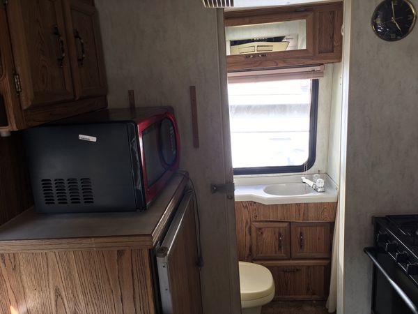 Travel Trailers For Sale Puyallup Wa >> 1990 21' dolphin rv Toyota motor for Sale in Seattle, WA - OfferUp