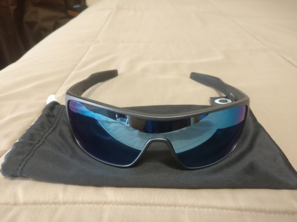 21bb2963e2 Oakley Turbine Rotor Prizm Deep Water Polarized Sunglasses for Sale ...