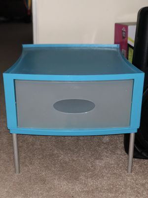 Small storing desk for Sale in Springfield, VA