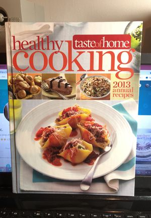 Taste of Home's Healthy Cooking 2013 Annual Recipes In Vg Condition for Sale in Berlin, NJ