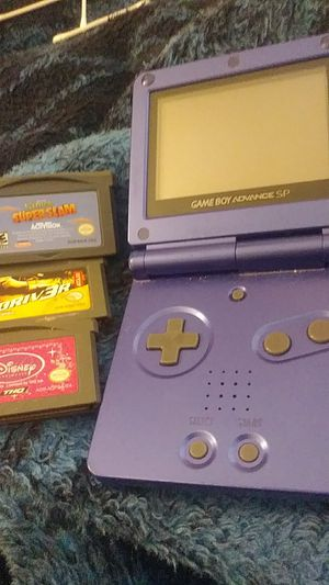 Gameboy SP with 3 games. for Sale in Las Vegas, NV