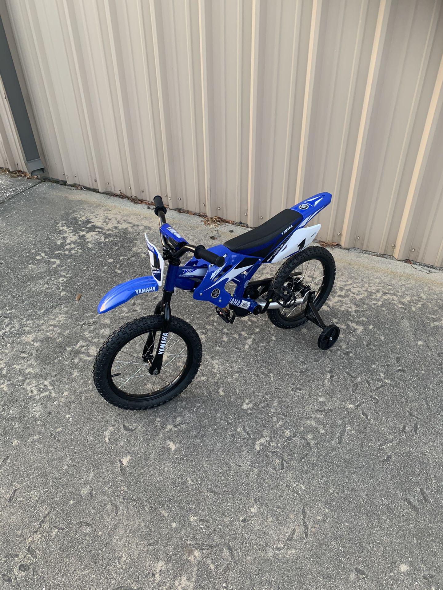 Photo Yamaha 16 Motorcycle Bike