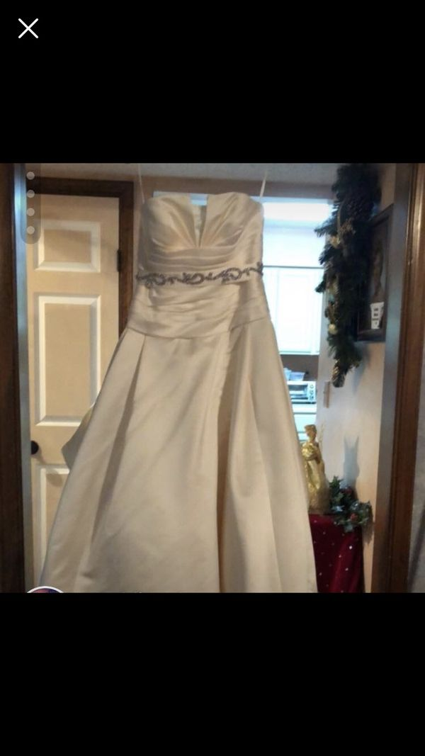 Wedding Dress For Sale In Virginia Beach Va Offerup